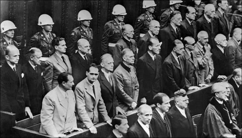 Оглашение приговора на Нюрнбергском процессе.